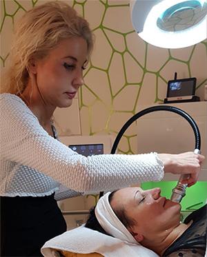 mikroneedling-behandlung-kosmetik-studio-carola-kiesel-stuttgart-beauty-balance